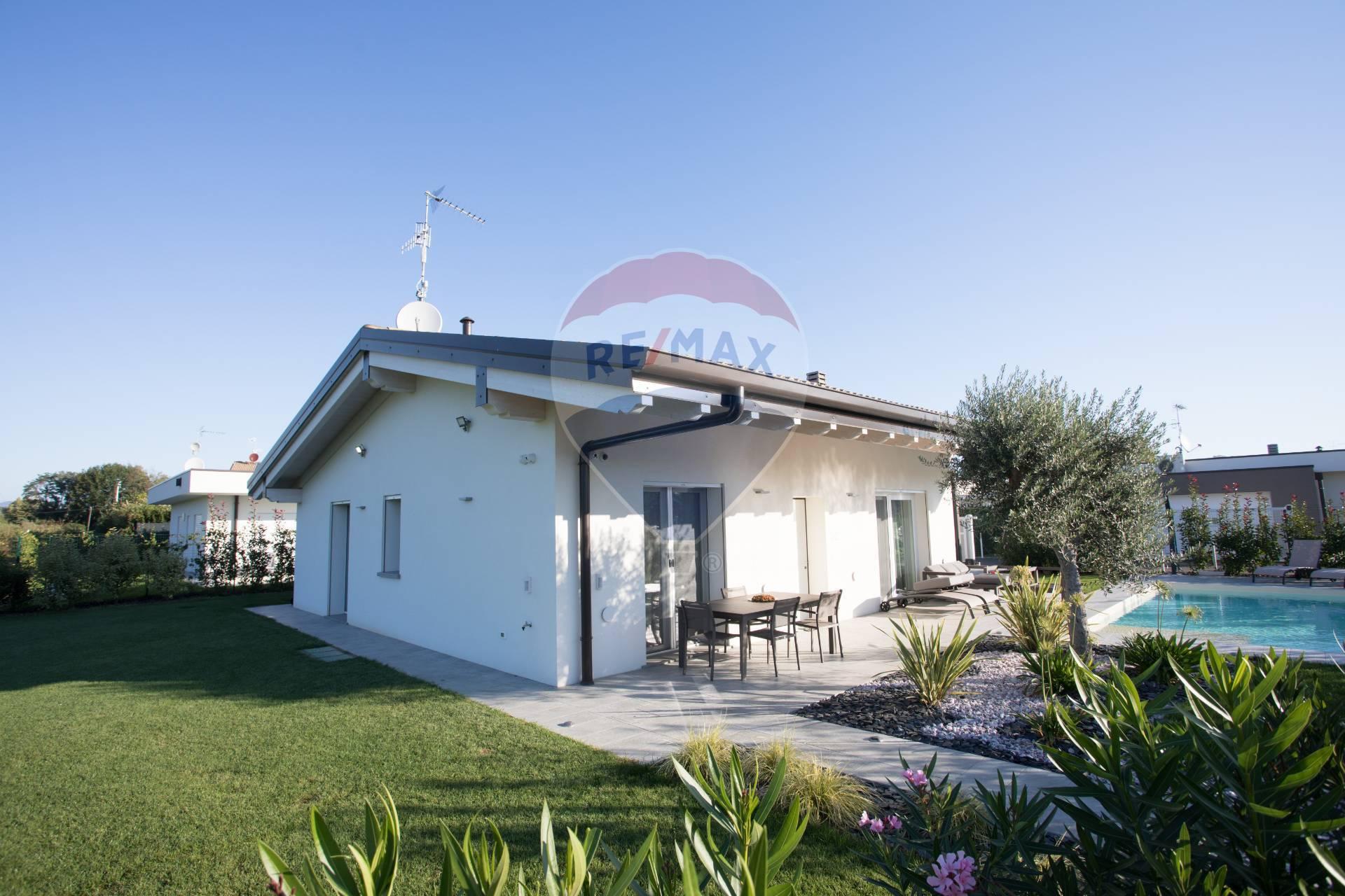 Villa in vendita a Lonato, 4 locali, prezzo € 349.000   CambioCasa.it