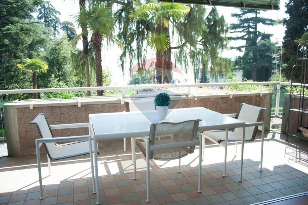 Appartamento in vendita a Gardone Riviera, 3 locali, zona Località: GardoneSotto, prezzo € 300.000 | CambioCasa.it